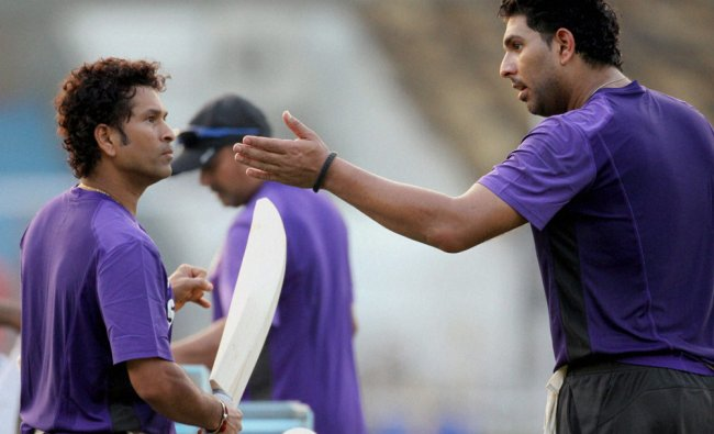 Sachin Tendulkar (L) and Yuvraj Singh on the first day of the three-day practice session in Mumbai..