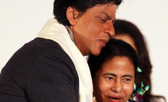Mamata Banerjee and Shahrukh Khan during the inugaration the 18th Kolkata Film Festival...