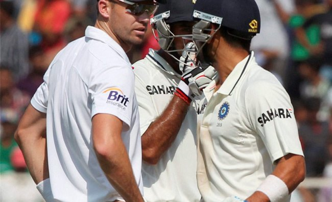 Virat Kohli having a verbal spat with England\'s J Anderson
