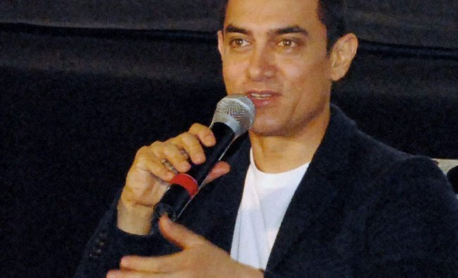 Bollywood actor Aamir Khan addressing a press conference to promote his film Talash in Lucknow on...
