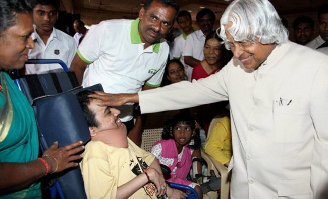 Former President APJ Abdul Kalam meets differently abled persons in Coimbatore...