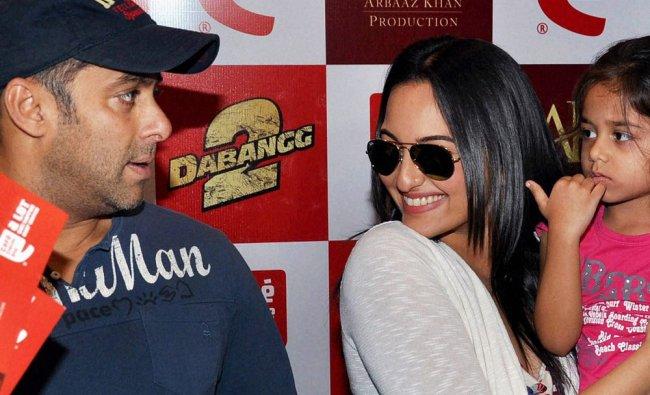 Actors Salman Khan and Sonakshi Sinha promote their upcoming film \'Dabangg 2\' at a cafe in Mumbai...