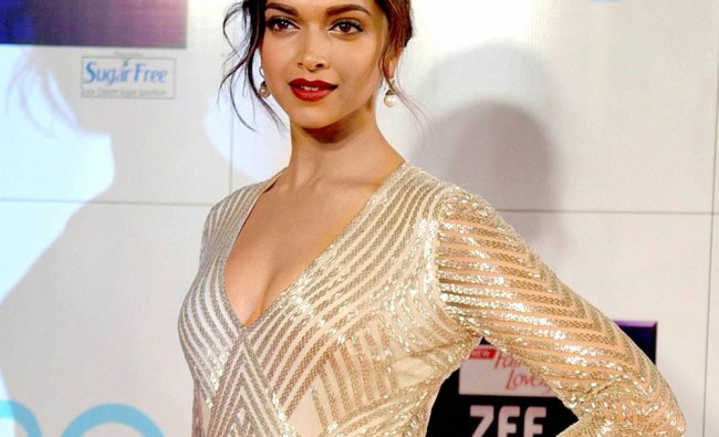 Bollywood actress Deepika Padukone at the Zee Cine Awards 2013 in Mumbai on Sunday.