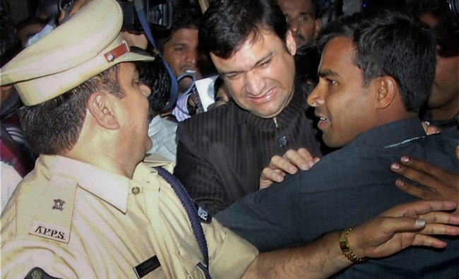MLA Akbaruddin Owaisi is being arrested by police in Hyderabad