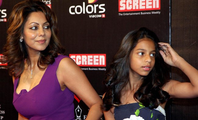 : Bollywood producer Gauri Khan with daughter Suhana at Screen Awards at MMRDA Grounds in Mumbai...