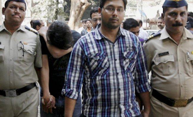 Borivali police station team caught two cricket bookies...