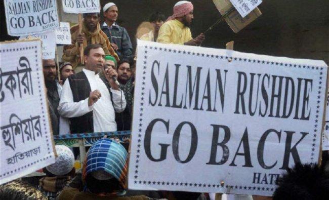 Muslims protesting against eminent writer Salman Rushdie\'s visit ...