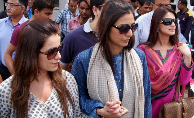 Actors Neelam, Tabu and Sonali Bendre on their arrival at the airport in Jodhpur on Friday.