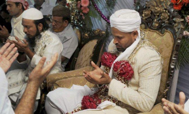 Cricketer Yusuf Pathan offering prayer on his wedding in Mumbai....