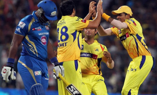 Chennai Super Kings crickters celebrate on getting wicket of D Smith during IPL 6 final Match.