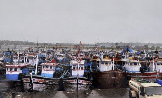 Mangalore: Fishing boats anchored at Mangalore old Port area on Sunday due to heavy rains...