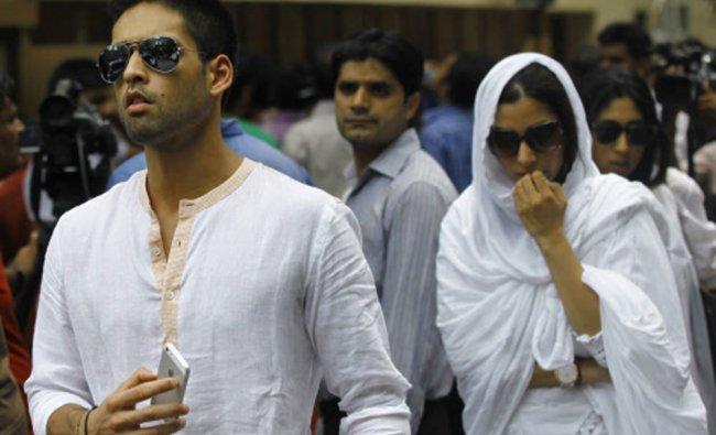 Sidhartha Mallya leaves after the funeral of Bollywood actress Jiah Khan
