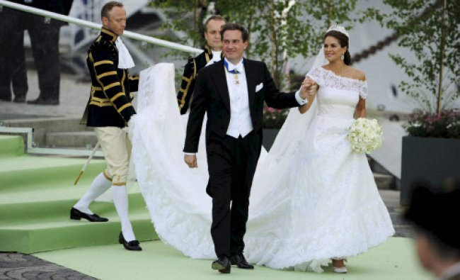 The newly married Princess Madeleine of Sweden and Christopher ONeill leave for a boat trip...