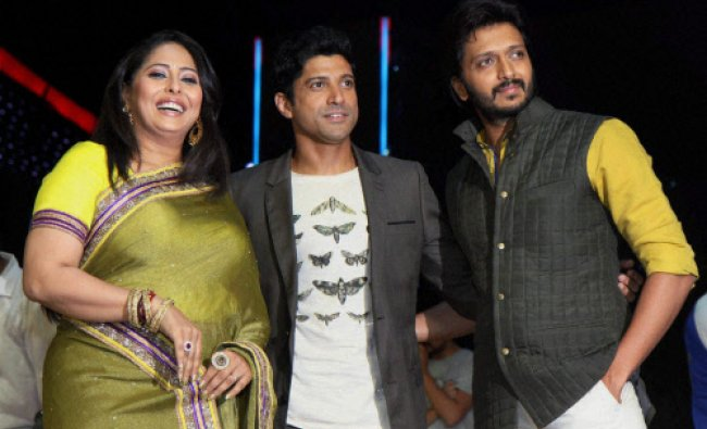 Bollywood actor Farhan Akhtar Kapoor with Riteish Deshmukh and Geeta Kapoor during the promotion...
