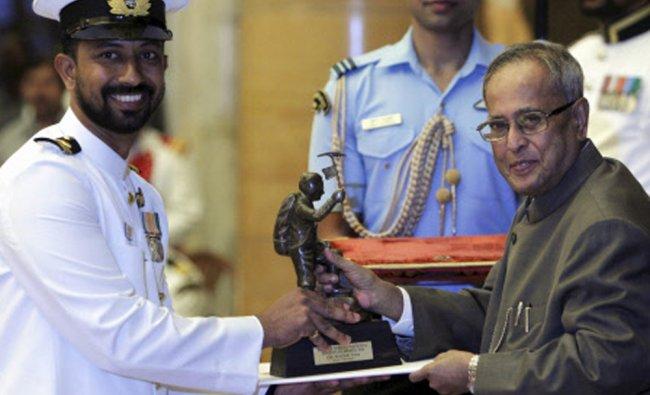 President Pranab Mukherjee presents Tenzing Norgay National Adventure award 2012