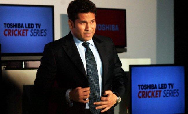 Cricketer Sachin Tendulkar speaks at the launch of Toshiba\'s first cricket mode TV