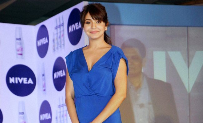 Anushka Sharma unveils new campaign by NIVEA in Mumbai ...