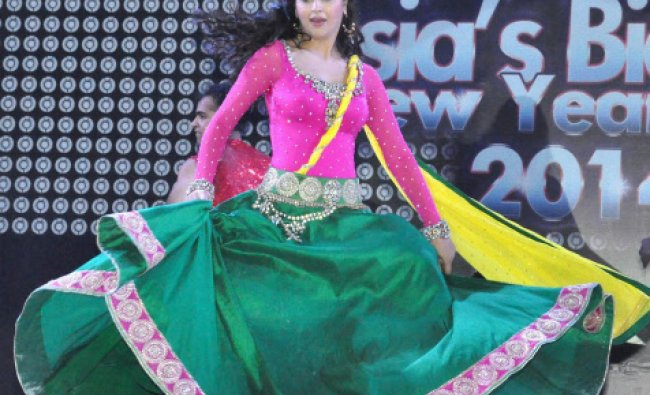 Bollywood actress Mariam Zakaria perform during New Year Celebration at Countary Club Surajkund...