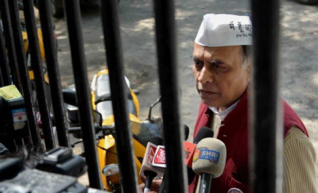 AAP leader Anand Kumar talks to the media at Parliament Street Police Station in New Delhi...