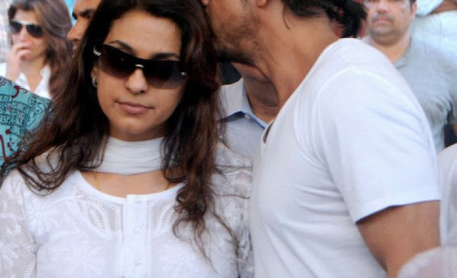 Shah Rukh Khan consoles actress Juhi Chawla during funeral of her brother Sanjeev Chawla ....