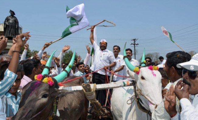 Swabhimani Shetkari Sanghatna (SSS) chief and Hatkanangale constituency candidate Raju Shetty...