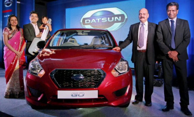 Ajoy Raghuvanshi, Vice President-Business Management, Nissan Motor India Pvt.Ltd. presenting...