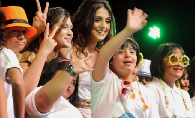 Aarti Chhabria and designer Manali Jagtap during a fashion show of special kids on International...