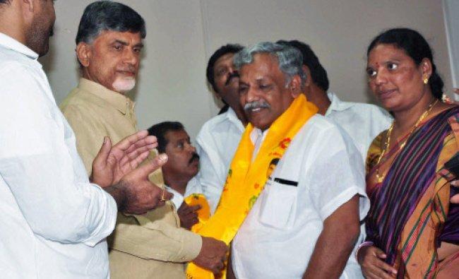 Yalamanchili Ravi Congress MLA from Vijayawada East joined TDP in the presence...