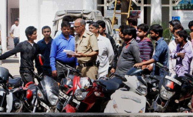 Delhi Police investigate bikers, alleged of dangerous stunts at Tughlak Road...