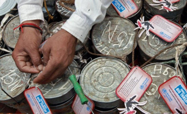 Dabbawalas spreading awareness about vector borne diseases on the World Health Day...