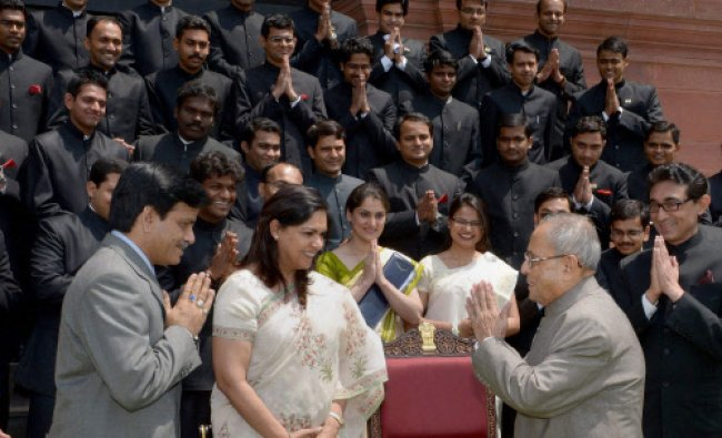 President Pranab Mukherjee meeting with Officer Trainees of Indian Information Service in New ...