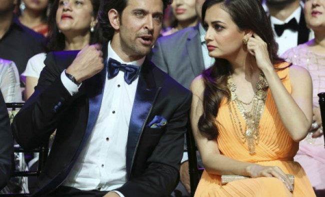 Actor Hrithik Roshan (L) and actress Dia Mirza attend the International Indian Film Academy ...
