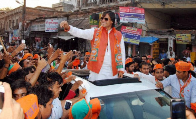 Actor Vivek Oberoi at a road show in support of BJP PM candidate Narendra Modi in Varanasi...