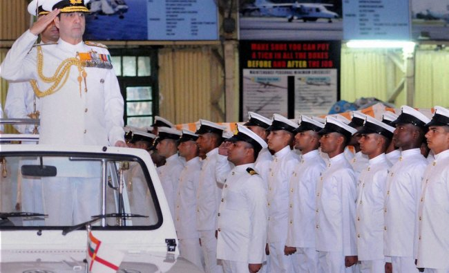 Admiral RK Dhowan Chief of the Naval Staff inspecting the Parade in Kochi ...
