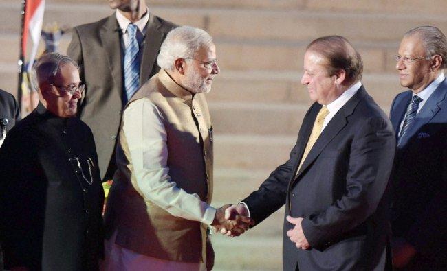 Narendra Modi accepts greetings from Pakistan\'s Prime Minister Nawaz Sharif ...