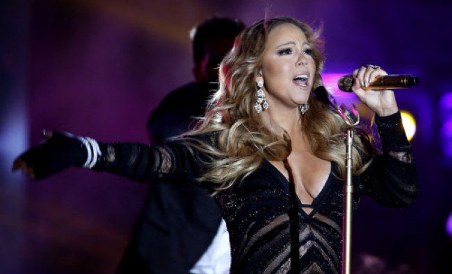 Singer Mariah Carey performs during the World Music Awards before receiving the Pop Icon Award in...