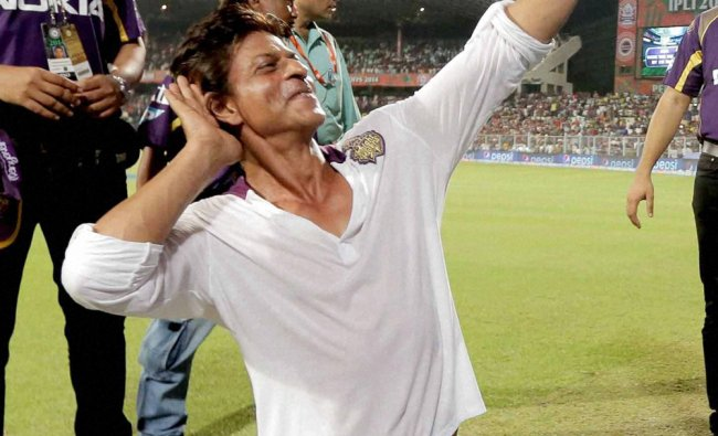 KKR owner Shahrukh Khan greets his fans at the end of IPL Match in Kolkata ...