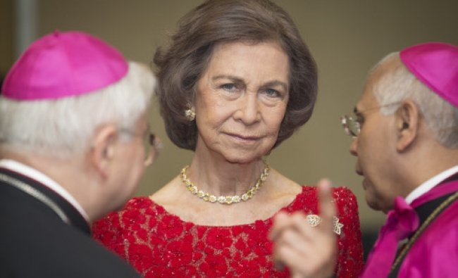 Queen Sofia of Spain talks during the Path to Peace Foundation\'s Path to Peace Award ceremony at...