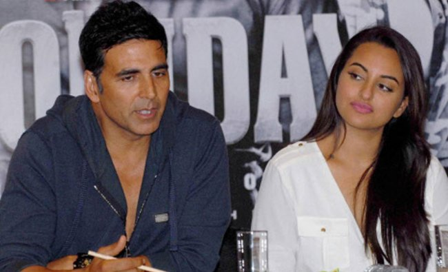 Akshay Kumar and Sonakshi Sinha during the press conference of thriller film \'Holiday: A Soldier...