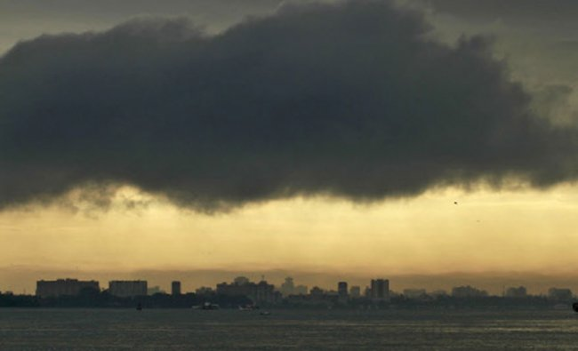 Pre-monsoon clouds setting a perfect tone for the heavy downpour in Kochi, June 5, 2014. Reuters...