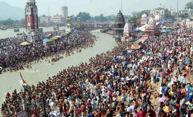 People throng to Har ki Paudi in Haridwar on Ganga Dashara...