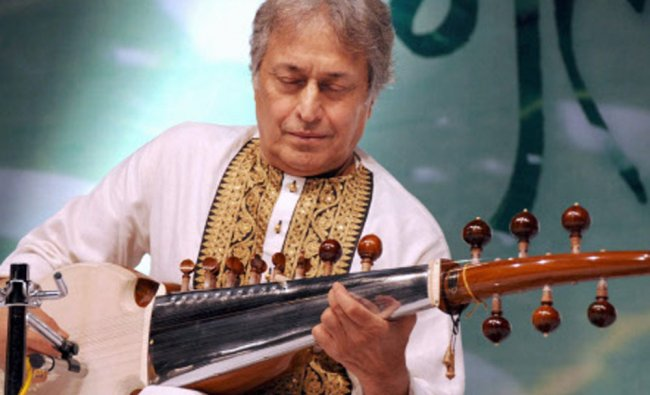 Sarod maestro Ustad Amjad Ali Khan performs at \'Megh Malhar Utsav\' at Nehru Center in Mumbai...