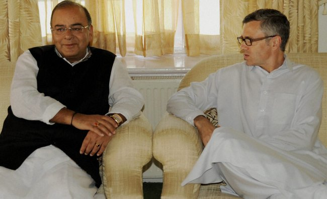 Defence Minister Arun Jaitley with Chief Minister of Jammu and Kashmir Omar Abdullah ...