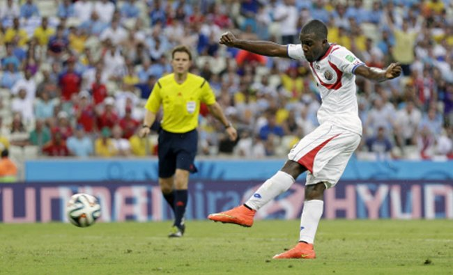Costa Rica\'s Joel Campbell scores his side\'s first goal against Uruguay ...
