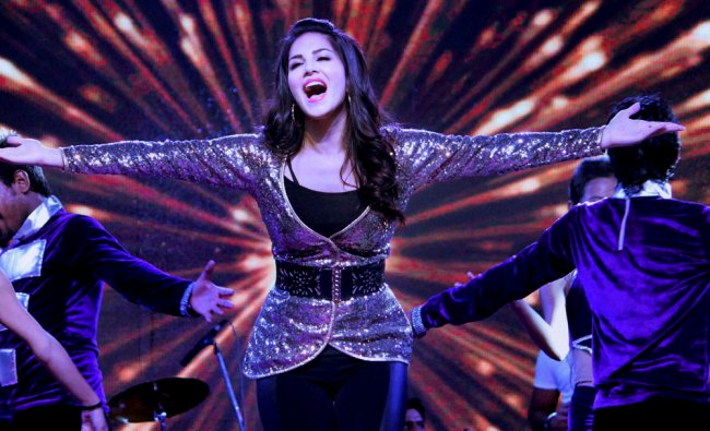 Actress Sunny Leone performing during an event in Jaipur ...