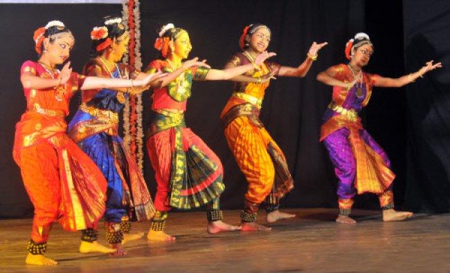 Artists from Vasundhara Performing Arts Mysore perform Bharatanatya during Classical Dance...