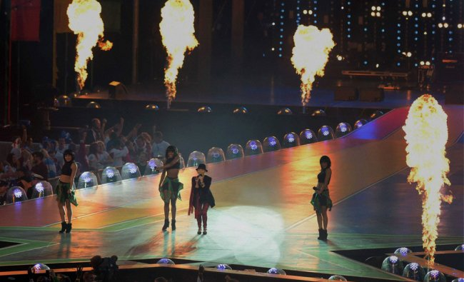 Singer Lulu performs during the closing ceremony of the Commonwealth Games 2014 ...