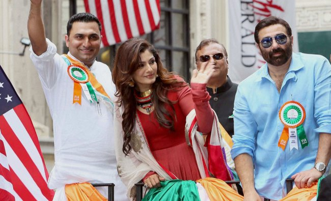 President of Federation of Indian Associations, Ankur Vaidya with actors Sunny Deol and Raveena...