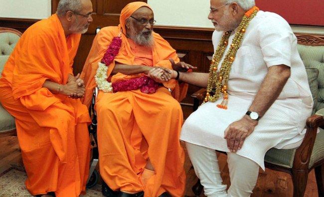 Prime Minister Narendra Modi in a meeting with Founder of Arsha Vidya Gurukulam, Swami Dayananda...