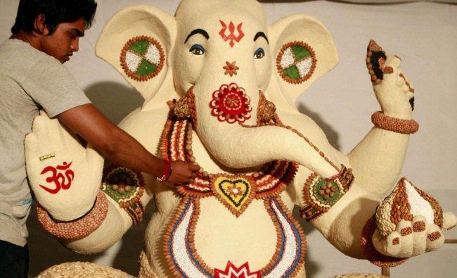 Ganesh idol made of dry fruits ahead of Ganesh Chaturthi festival in Mumbai ...